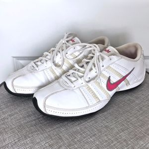 NIKE White Leather Athletic Shoes/ Sneakers